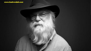 Photo of Singer songwriter David Olney dies on stage at age 71