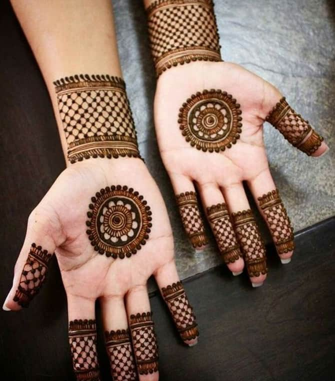Criss Cross Mehndi Designs