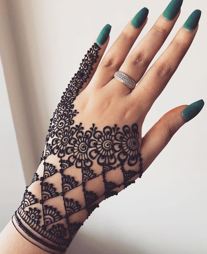 Rosette and Filigree Mehndi Designs