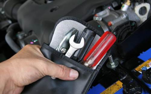 3 How to disconnect the car battery safely: 7 Simple Steps