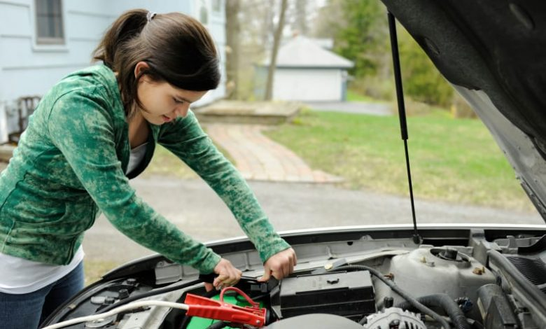 How to Change a Car Battery without Losing