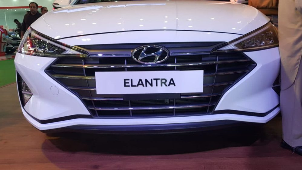 Hyundai Elantra Head lights toptrendpk.com 1 Hyundai Elantra 2020, Featured Car Coming Soon